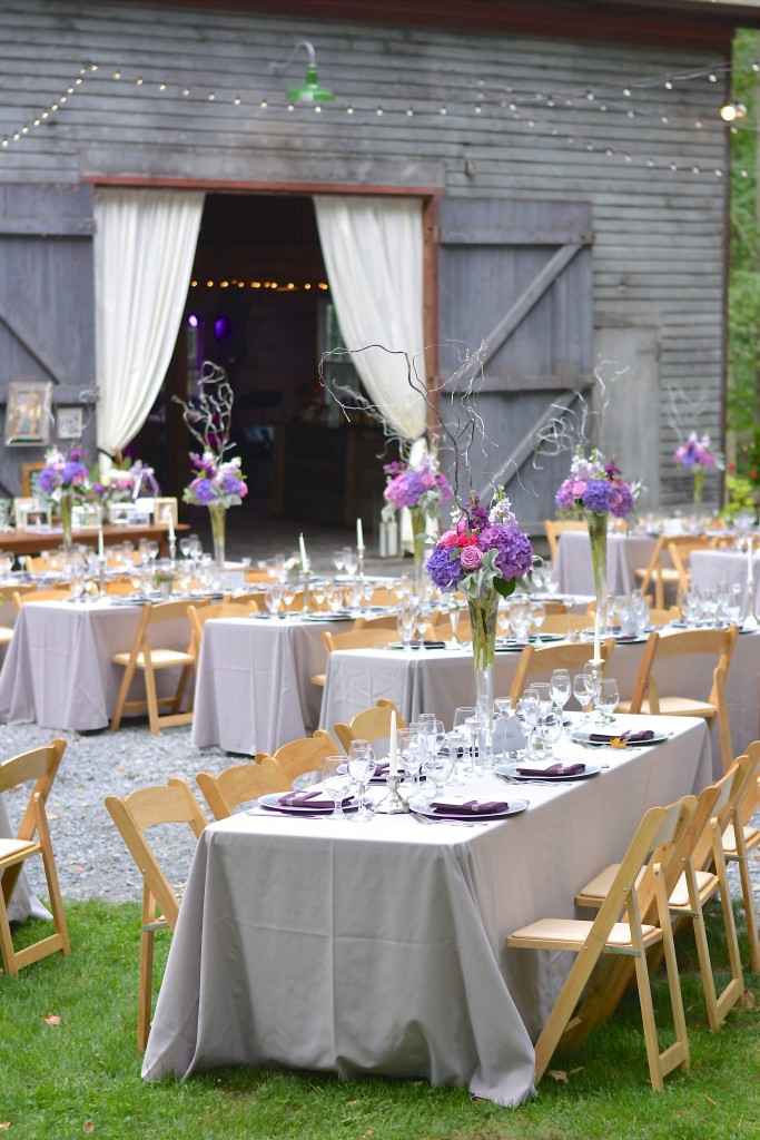 The tables adorned with various shades of gray and purple...
